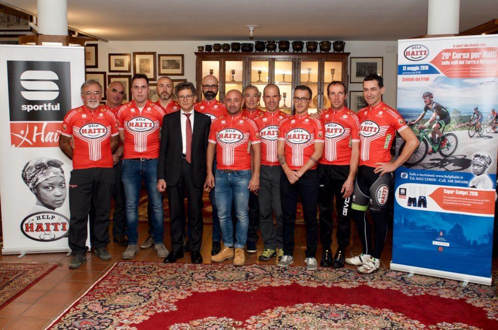 Paolo Bettini e i ciclisti di Help Haiti